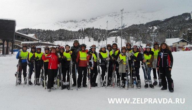 Учащиеся СОШ №2 станицы Зеленчукской встали на лыжи