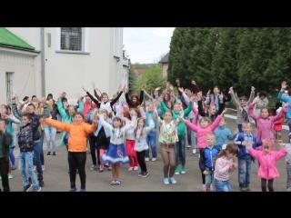 Як діти на гаївках танцювали банс