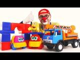 Видео с игрушками. Клоун Дима и подъемный кран. Спасение машинки. Веселое видео для детей.