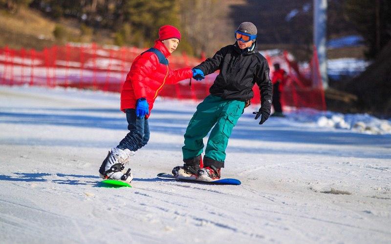 Дети достигшие десятилетнего возраста смогут кататься на курорте «Архыз» бесплатно