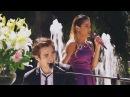 Leon y Violetta cantan
