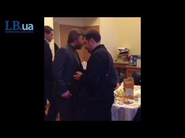Семит Порошенко о смертях на Майдане, Новинскиому Креста на тебе нет! Сука ты православная