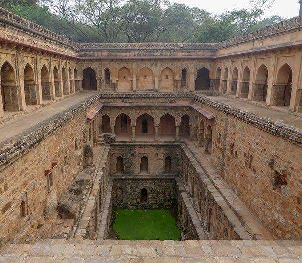 qQD46IVZcuw - Заброшенные храмы Индии (как в мультфильме про Маугли)