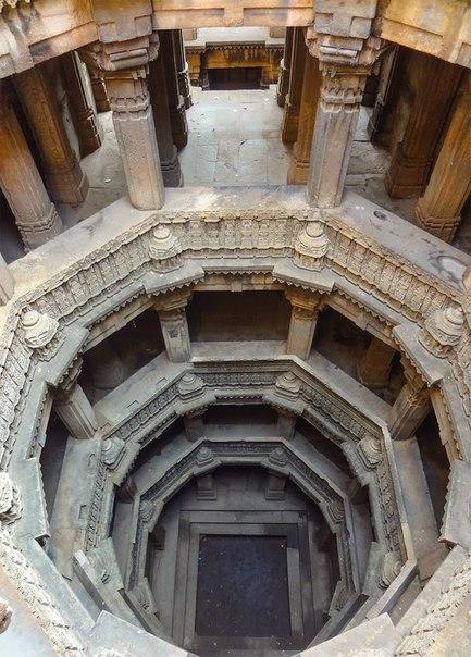 boG8LI2QsUM - Заброшенные храмы Индии (как в мультфильме про Маугли)