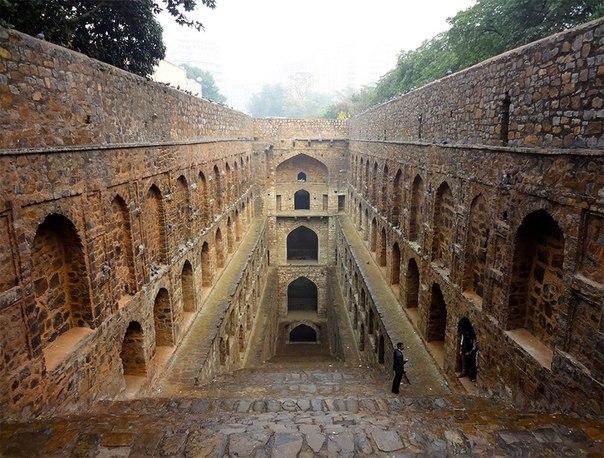 ARmtP2b5If4 - Заброшенные храмы Индии (как в мультфильме про Маугли)