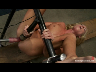 Victoria White | FuckingMachines.com | Sex machines | Kink.com