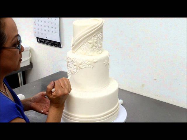 Designing Tutorial of a Beautiful Wedding Cake in Sugar Icing