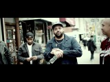 Joell Ortiz &amp !llmind kick it with some fans.