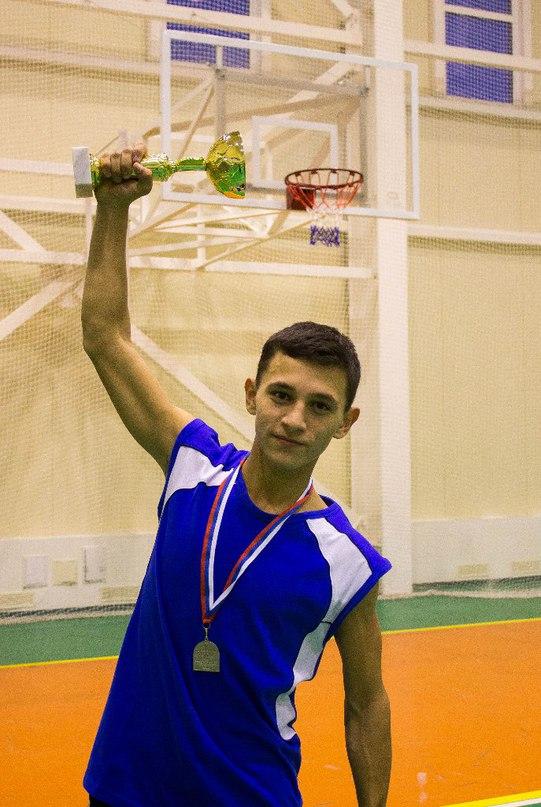 Азат Харисов |