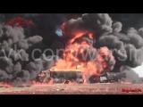 04.12.2015. Сирия, Алеппо. Горят бензовозы боевиков после авиаудара