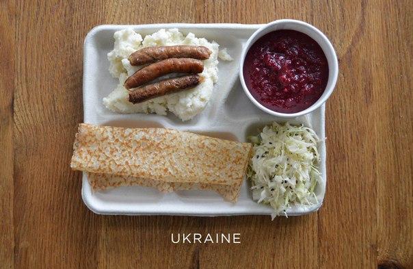 А вот насколько отличаются школьные обеды в разных уголках мира.