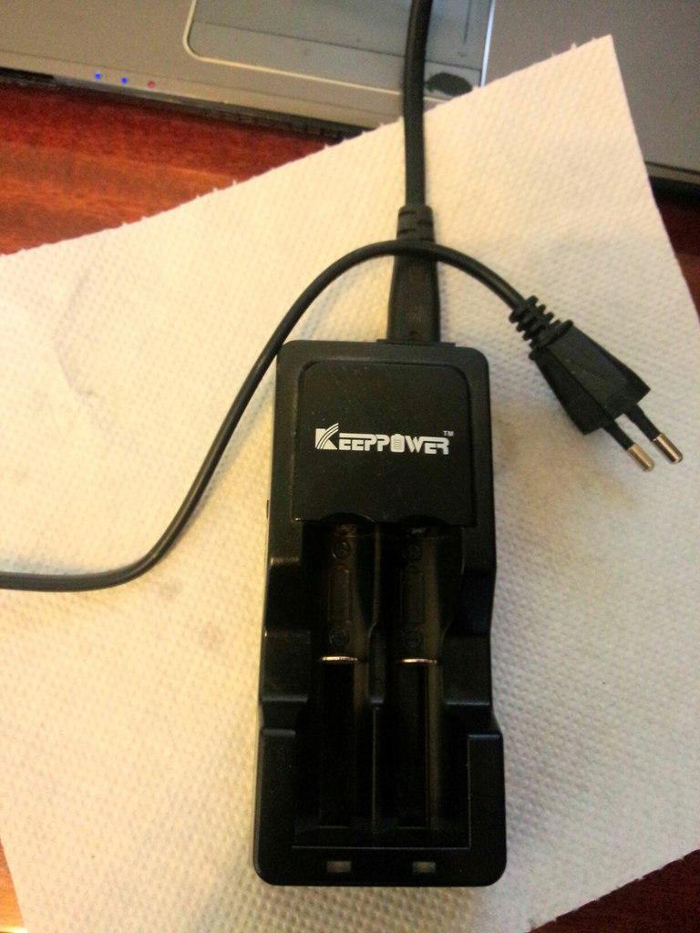 Продам IPV 3 (165 ват), Origen Genesis v2(клон), Зарядное устройство Keeppower 604
