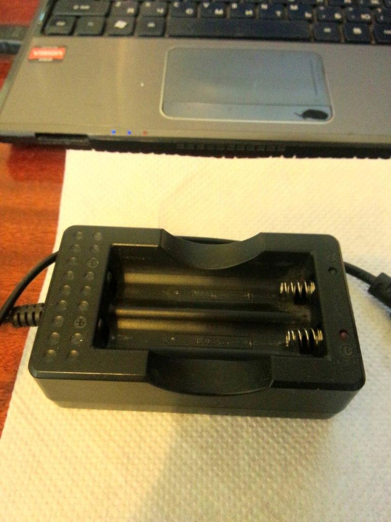 Продам IPV 3 (165 ват), Origen Genesis v2(клон), Зарядное устройство Keeppower 824