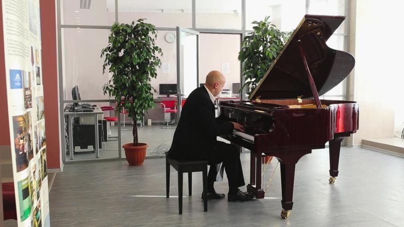 Концерт пианистов-любителей. И. Брамс, Рапсодия h-moll (op. 79, № 1). Исп. Юрий Соколов