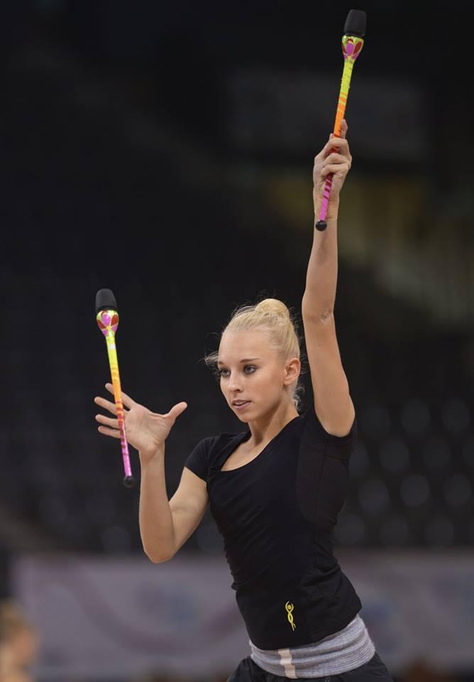 Чемпионат мира по художественной гимнастике. Штутгарт. 7-13 сентября 2015 LcEJoVDp50s