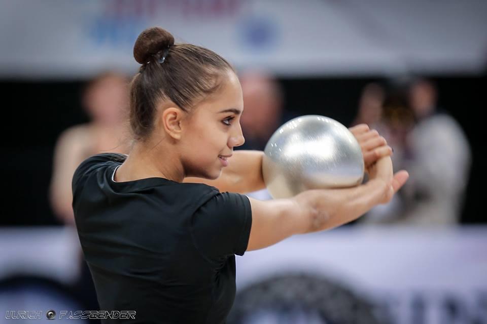 Чемпионат мира по художественной гимнастике. Штутгарт. 7-13 сентября 2015 4aDcHjROhKE