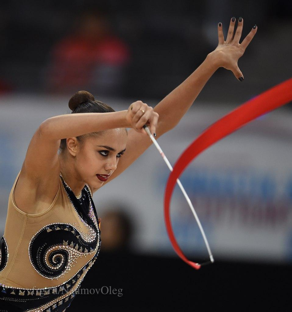 Чемпионат мира по художественной гимнастике. Штутгарт. 7-13 сентября 2015 - Страница 2 ZAxroV-Y6ag