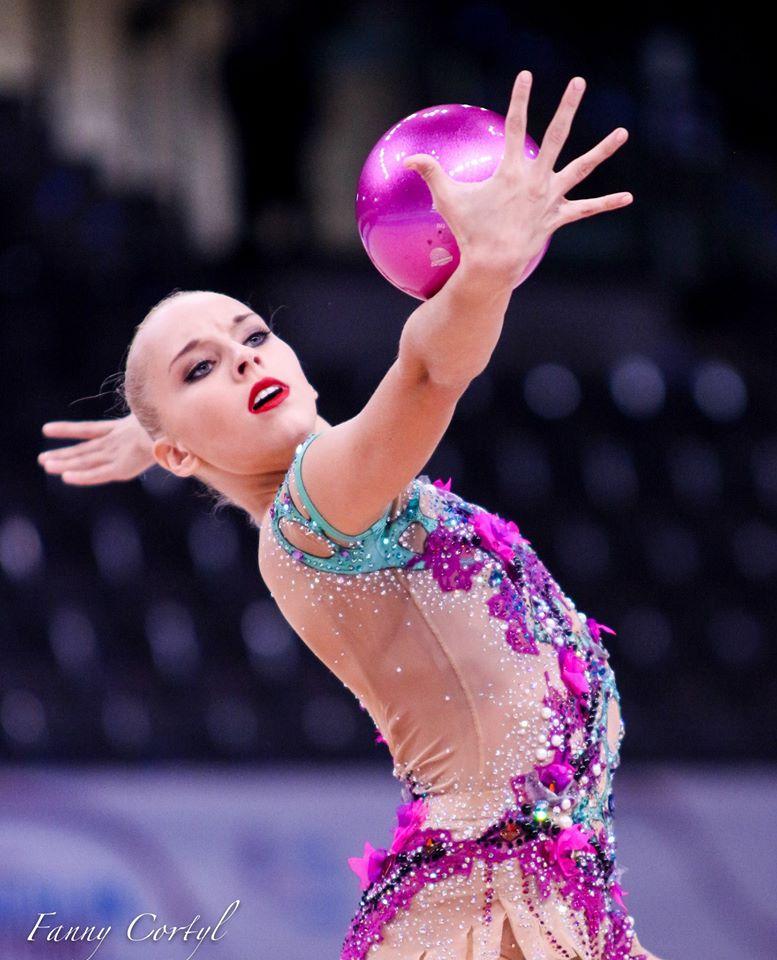 Чемпионат мира по художественной гимнастике. Штутгарт. 7-13 сентября 2015 YXA19ZVhYMg