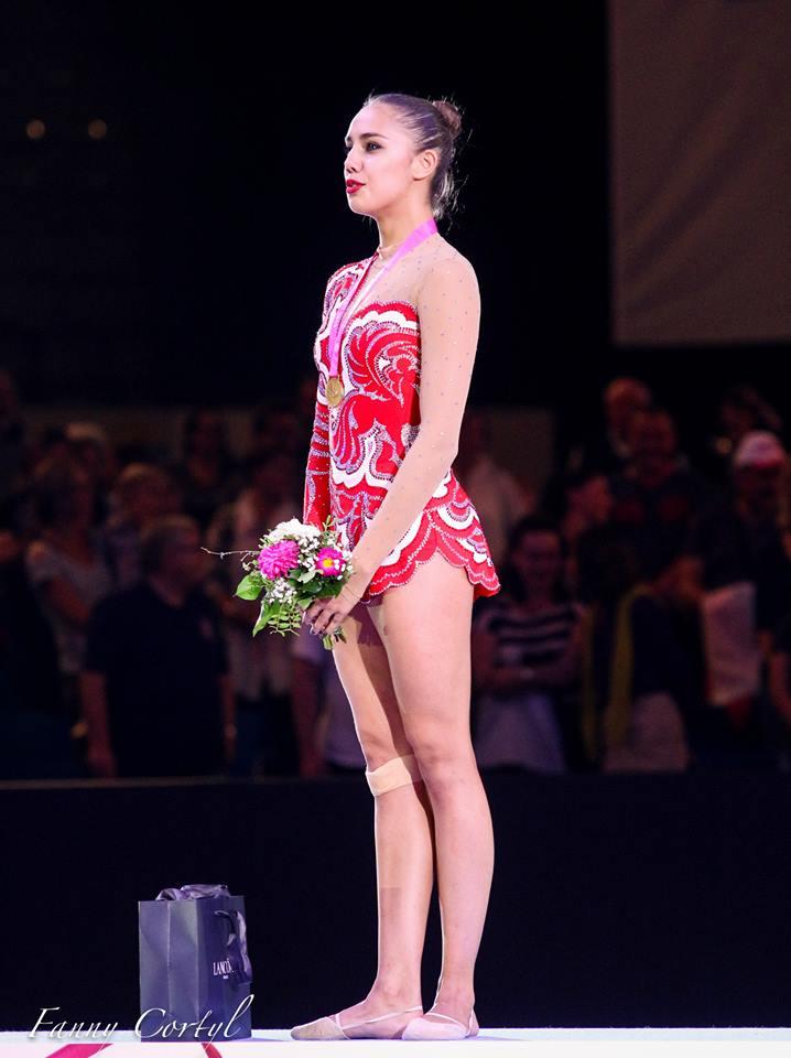 Чемпионат мира по художественной гимнастике. Штутгарт. 7-13 сентября 2015 - Страница 2 KvBOmNTDbkA