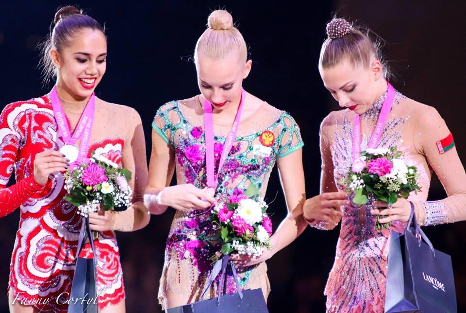 Чемпионат мира по художественной гимнастике. Штутгарт. 7-13 сентября 2015 - Страница 2 K0HFO8vWCK8
