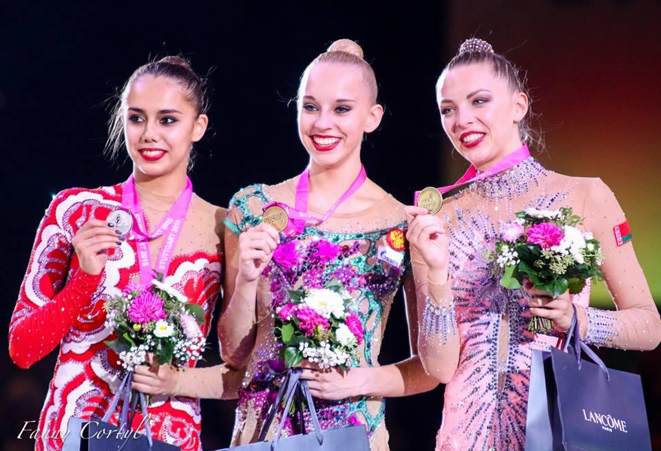 Чемпионат мира по художественной гимнастике. Штутгарт. 7-13 сентября 2015 - Страница 2 BrOC-pY09Qc