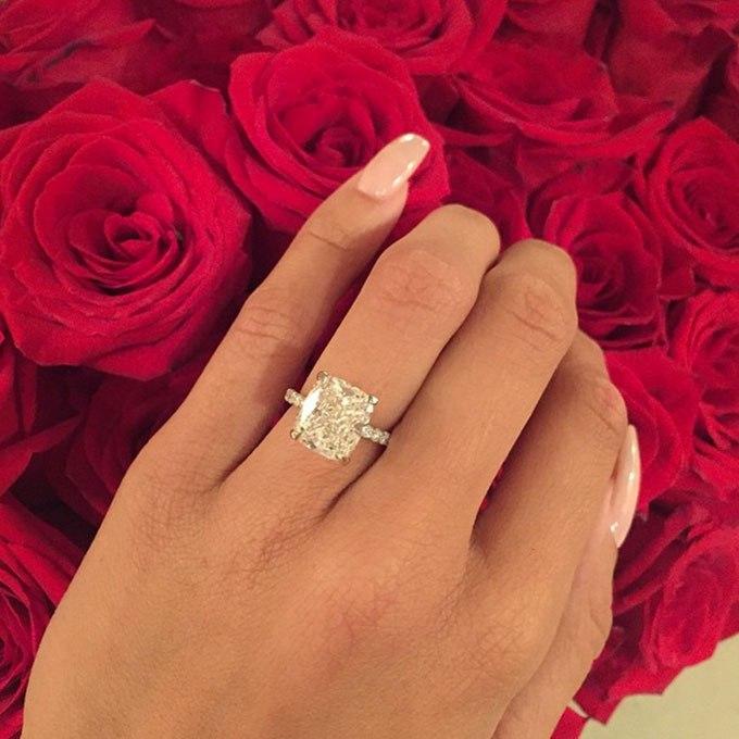 tuuZxfWvAKA - Обручальные кольца звездных невест Голливуда