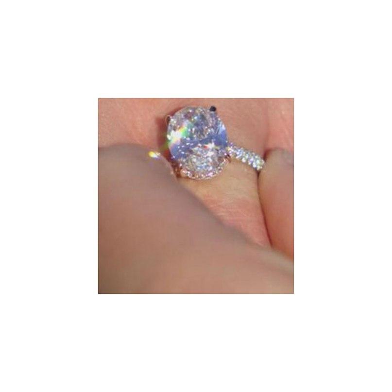xjh fUVsEgY - Обручальные кольца звездных невест Голливуда