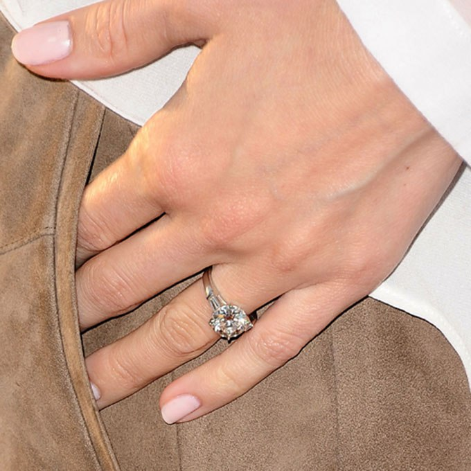 5zKCoSqVpW4 - Обручальные кольца звездных невест Голливуда