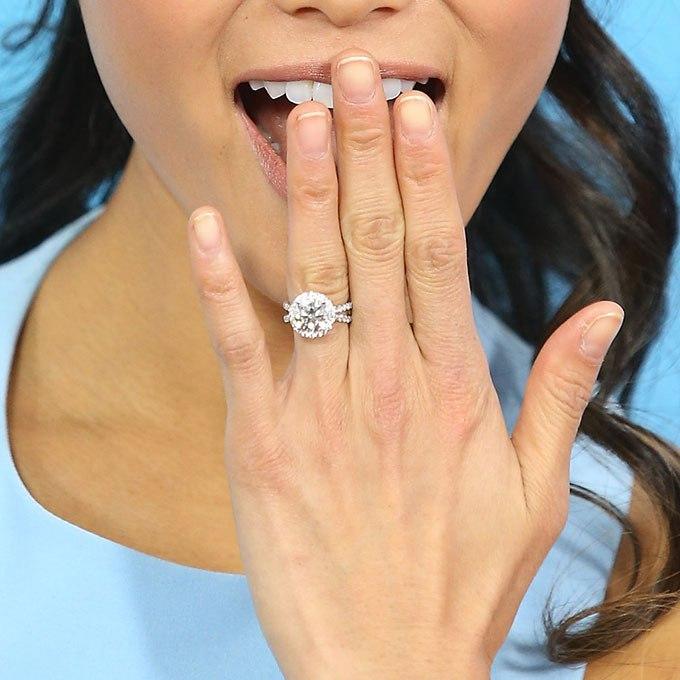 k 0C0Q5CMtM - Обручальные кольца звездных невест Голливуда
