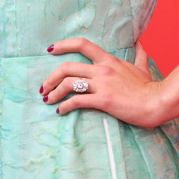 1P2worm 9bI - Обручальные кольца звездных невест Голливуда