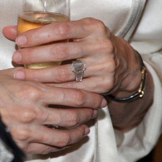 eP3HCAOMAnM - Обручальные кольца звездных невест Голливуда