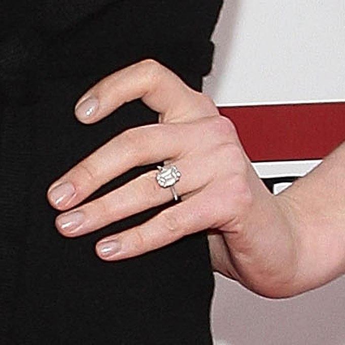77G6K57IQHA - Обручальные кольца звездных невест Голливуда