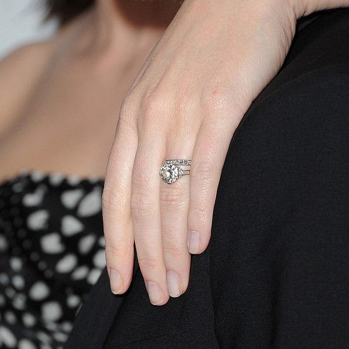 84WoJSPmOUo - Обручальные кольца звездных невест Голливуда