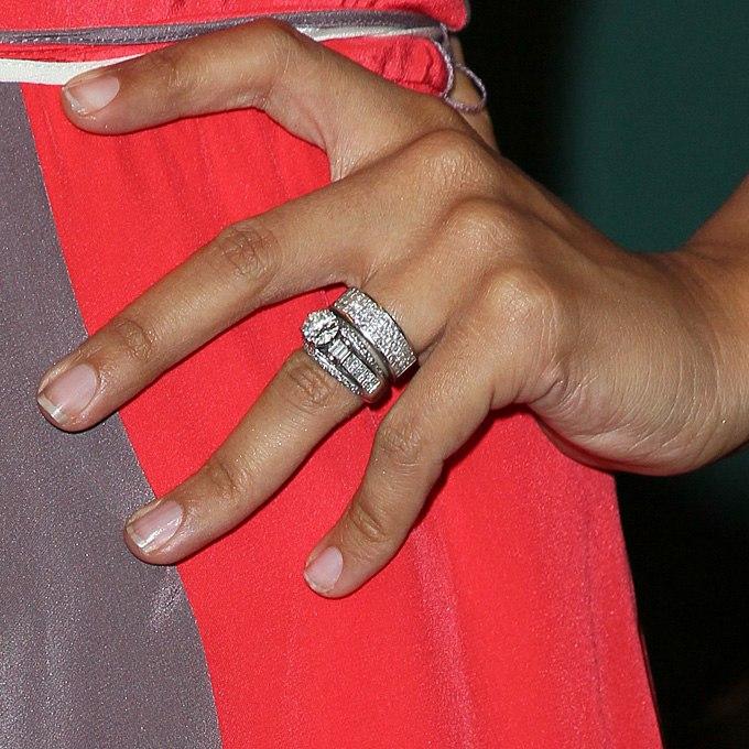 fygfV 7AHyY - Обручальные кольца звездных невест Голливуда