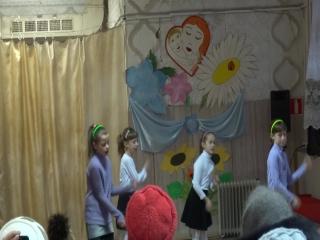 группа Карамельки с танцем Доброта на День матери