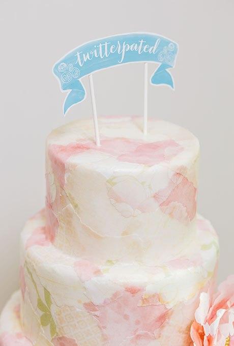 PFliOKkX2XM - 20 Идей для весеннего свадебного торта