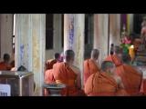 Камбоджа. Буддийский храм. Мантры