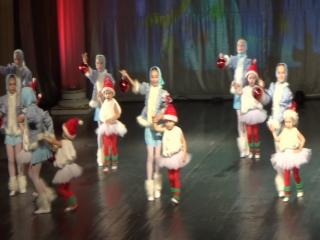 Танец с малышами (19.12.2015)
