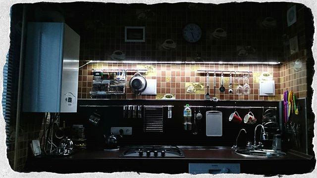 Через неделю будет месяц как мы затеяли ремонт на кухне.