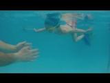 Вот оно, счастливое водное родительство!))) Вся семья - дельфины!