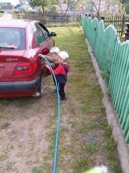 nAuznasAUYI - Русский поехал на машине в Грузию...