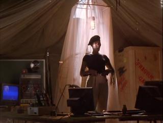 Остров МакКинси (1998) / Халк Хоган / Боевик, Комедия