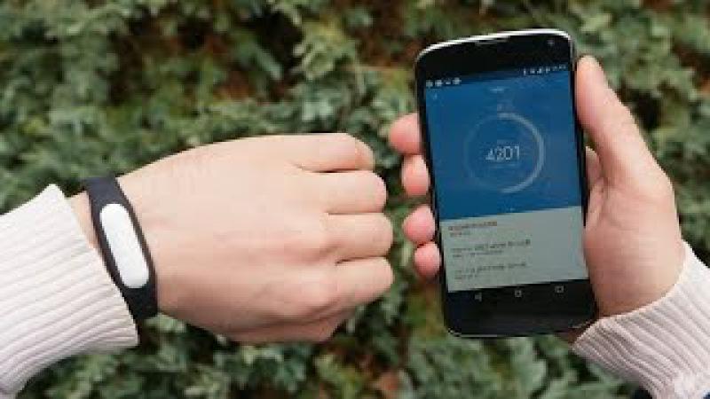 Фитнес трекер! Правдивый Обзор фитнес браслета Xiaomi Mi Band - YouTube