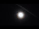 23 февраля 2016 г. Москва . Луна ( лунный венец ) , Юпитер ( слева ) .