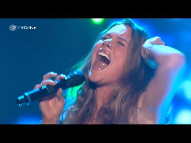 Joss Stone - Here Comes The Rain Again - Amazing Live Performance (FULL HD)