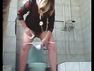Секс в женскои туалете