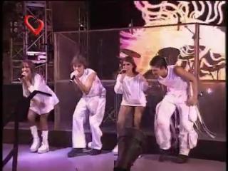 Erreway - Me da igual (en Israel 2004)