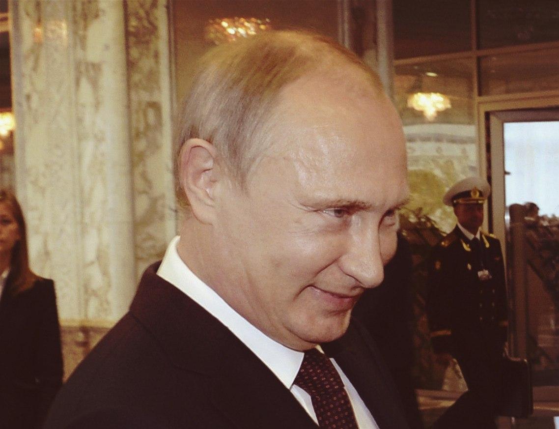 """Путин навсегда. 64 песни о """"лидере нации"""""""