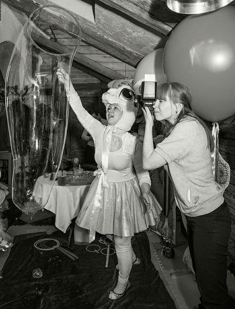 Немного закулисья с дня рождения Ванечки - наша чудесная ФотоГрафиня и My little pony из @lobacheva_project в процессе создания волшебства