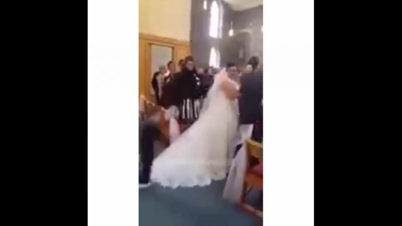Последний шанс остановить свадьбу 😂😃😆 virusvideo  Подписывайся на @virusvideo